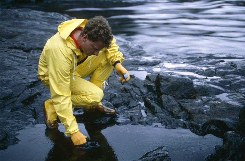 Penance: the La Coruna oilspill, northern Spain, on duty for Greenpeace, December 1992